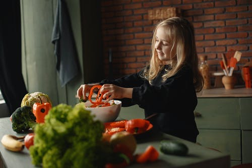 Healthy diet for your children to increase his immunity